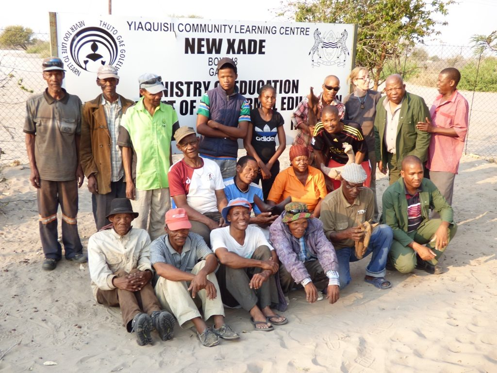 Participants at New Xade Group photo of wood sculpture workshop